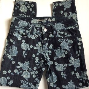 American Eagle outfitters jegging floral jeans